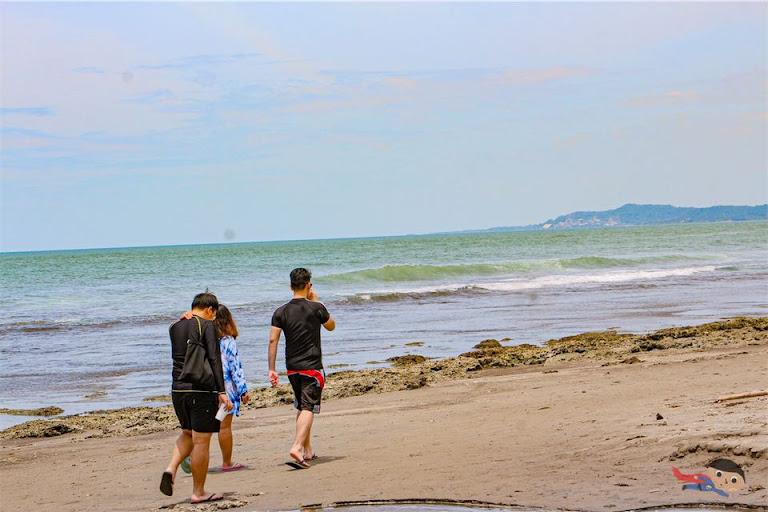Surfer's Village, Urbiztondo, San Juan, La Union