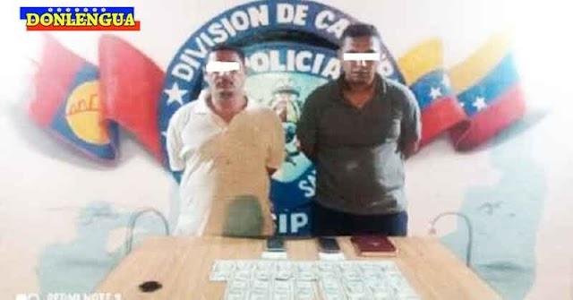 Detenidos por portar billetes de dólares falsos en los bolsillos