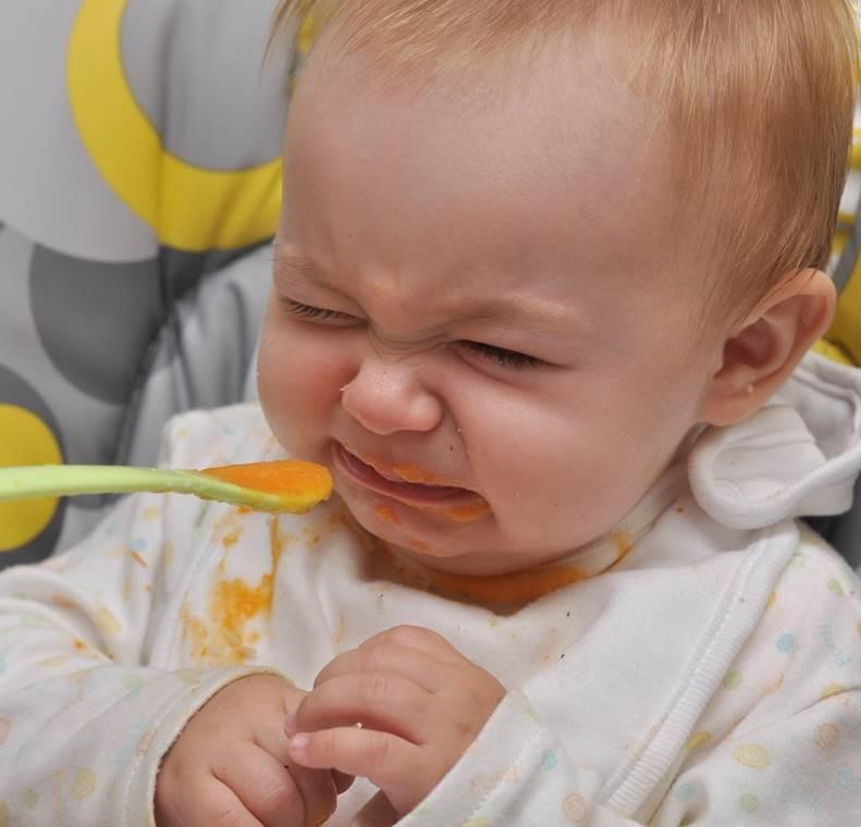 Bayi Boleh Makan Setelah 6 Bulan, Simak Penjelasan Dokter