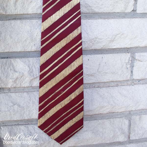 How to make a gryffindor tie for a Harry Potter costume, easy to alter for griffyndor, slytherin, hufflepuff and ravenclaw