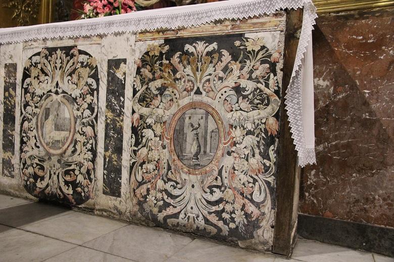 Alteraciones del retablo de la iglesia de Santa Eulalia por factores antropológicos