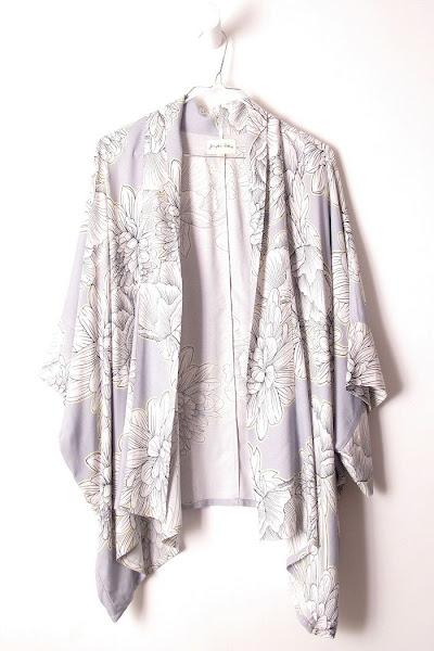 Kimono imprimé fleur Pyrus London