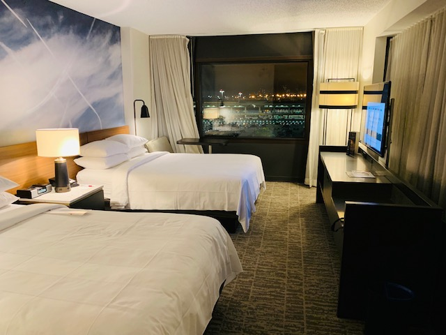 Newark Liberty International Airport Marriott Review: Platinum Elite with Upgrade and Lounge Access