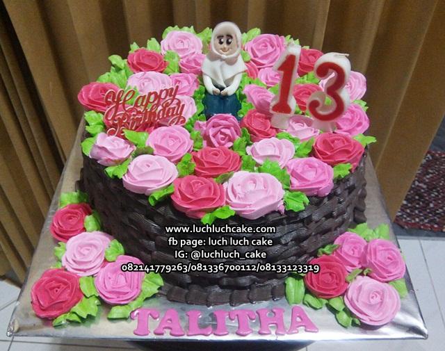 Ulang Tahun Anak Perempuan Hias Bunga-Bunga