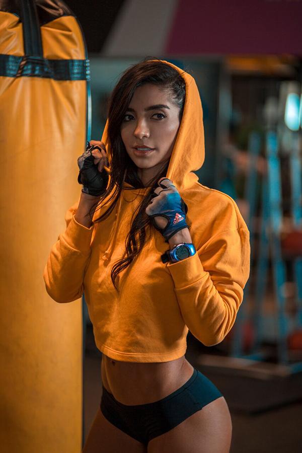 Julie-Pauline-Rodríguez-modelo-ojos-hechiceros-conquista-latinoamérica-coach-fitness