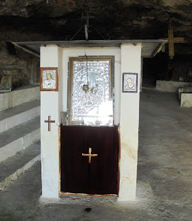 σπηλαιοναός του αγίου Γεωργίου στην Ακρινή της Κοζάνης