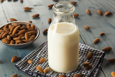 Manfaat Mengonsumsi Susu Almond Bagi Kesehatan