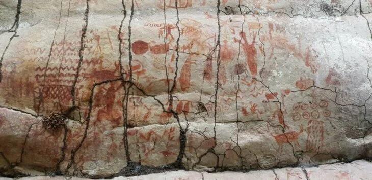 Encuentran pinturas rupestres con animales extintos de la Edad de Hielo en el Amazonas