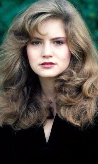 Celebrity Biography And Photos Jennifer Jason Leigh