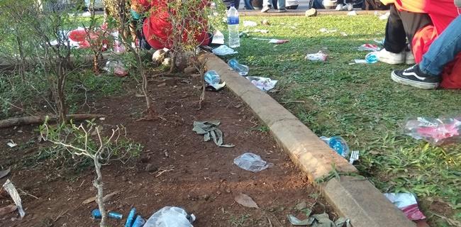Relawan Jokowi-Ma'ruf Nobar, Ini Penampakkan Sampah yang Ditinggal