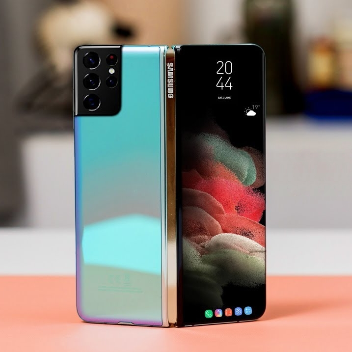 Galaxy Z Fold 3 could be the first Samsung phone with a sub-screen camera