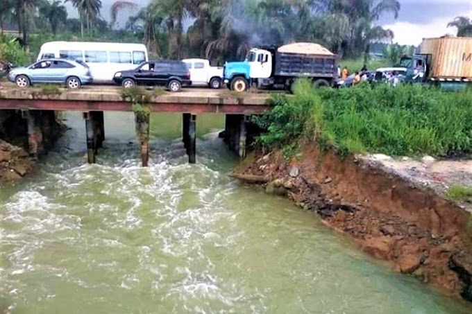 Two die, five drown as vehicle plunges into river