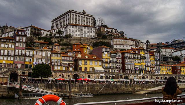 Passeio de Barco pelo Rio Douro, no Porto, Portugal