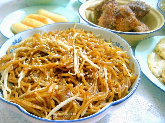 Peng's Kitchen: Singapore Breakfast : Economic Fried Mee Hoon