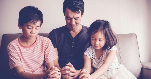 Kumpulan Doa Keselamatan yang Perlu Diajarkan pada Anak Katolik
