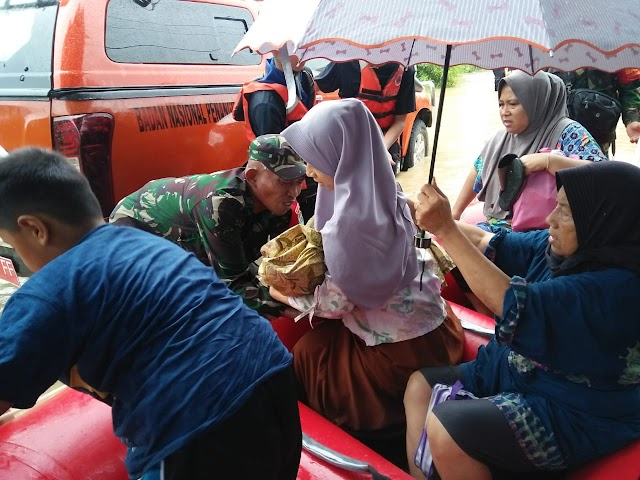 Forkopimda Karawang Pantau Langsung Bencana Banjir di Cilamaya