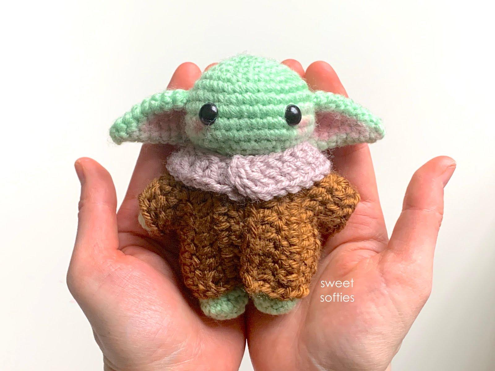 Lovely fat bear amigurumi free crochet pattern - Amigu World | 1200x1600