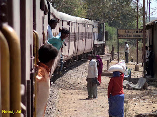 गुजरात मीटरगेज ट्रेन यात्रा: जूनागढ़ से देलवाड़ा