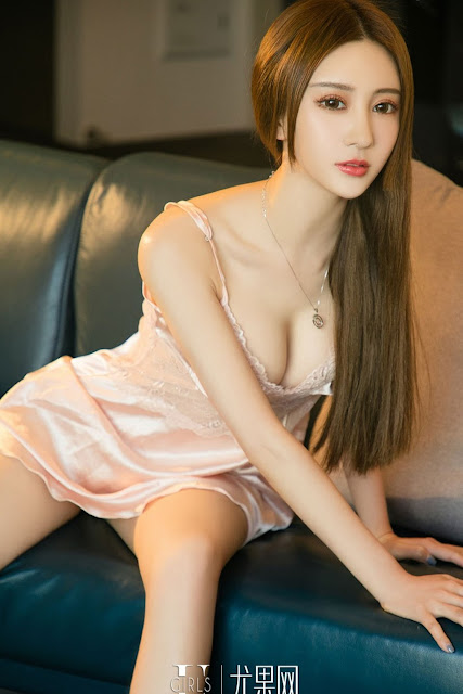 Hot and sexy photos of beautiful busty asian hottie chick Chinese model babe Cheng Zi photo highlights on Pinays Finest Sexy Nude Photo Collection site.