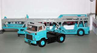 tlv hino transporter trailer tomica