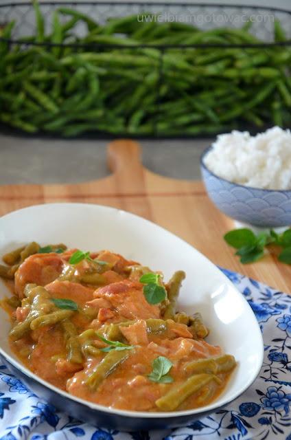 Schab duszony w sosie z fasolką szparagową