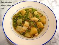 Sepia estofada con guisantes, patatas y picada