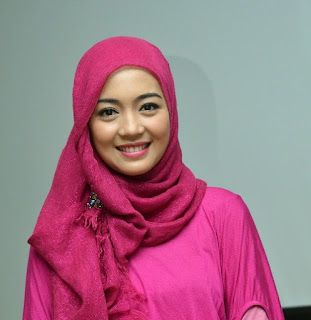 Cewek Cantik Memakai Hijab