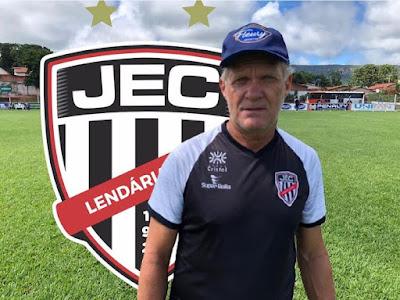 Jaraguá efetiva Zé Roberto como treinador para o Goianão 2021