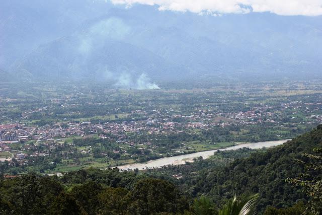 Photo : Dari Kebun Villa Ungu Kutacane ke Arah Hamparan Kota Kutacane - Aceh Tenggara