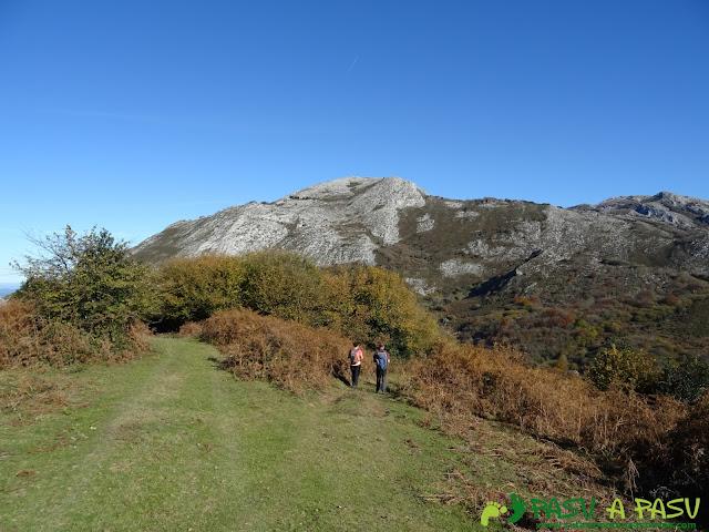 Bajando a la Cueva y Veigadonga