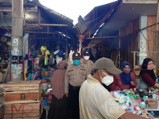 Binmas Polres Enrekang Gelar Sosialisasi Pencegahan Corona di Pasar