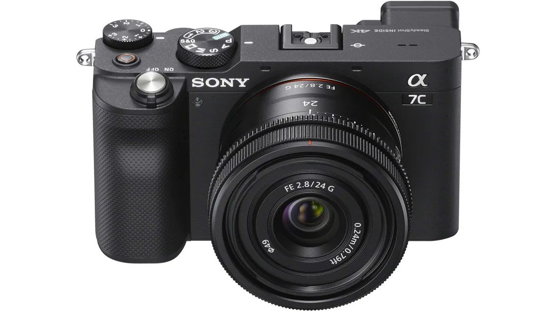 Фотоаппарат Sony A7C с объективом Sony FE 24mm f/2.8 G