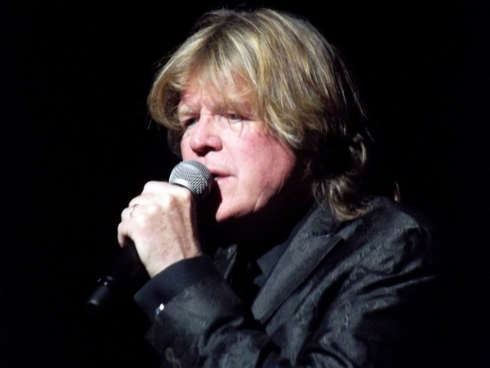 PERSONAL PERSPECTIVES: Sixties Soul, Still Going Strong - PETER NOONE of Herman's Hermits starring Peter Noone [Photo by the author - Carlos Alvarez Studio Theatre, Tobin Center for the Performing Arts, San Antonio, Texas; 20 March 2016]