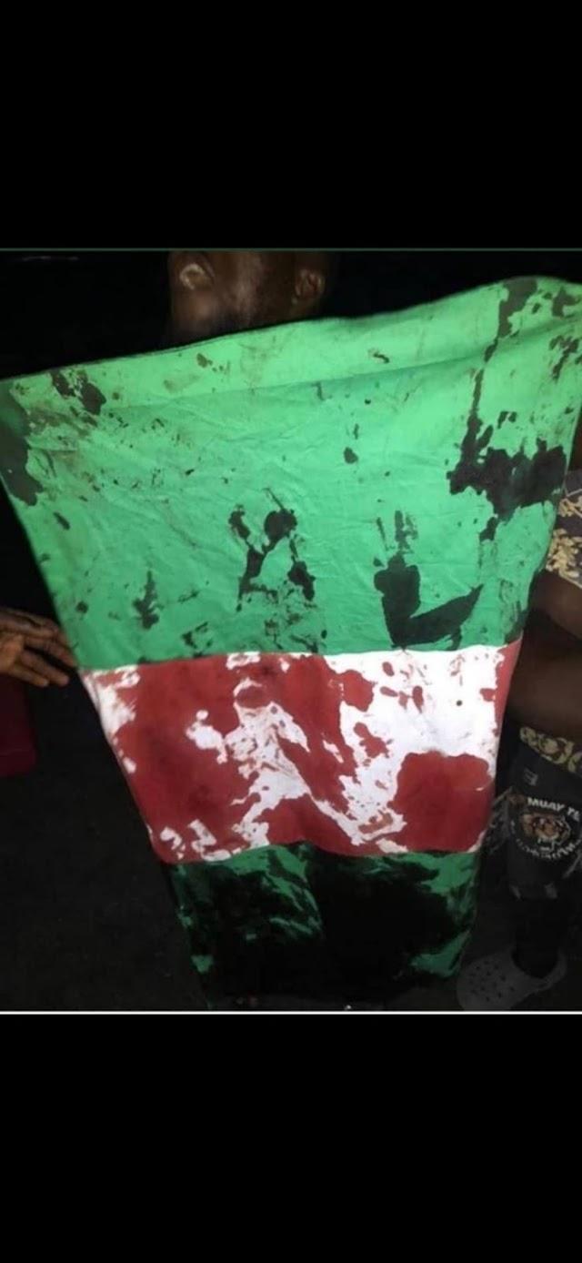 LAGOS IS BLEEDING: Deaths, injuries as policemen, soldiers rain bullets on #ENDSARS protesters in Lekki watch Videos