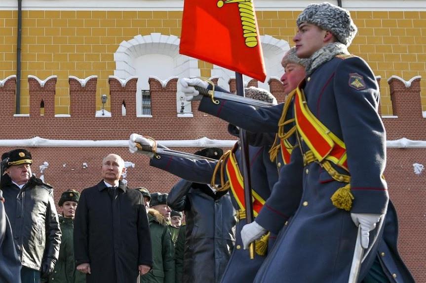 Η Ρωσία κάνει πόλεμο νεύρων στις ΗΠΑ μέσω… Ουκρανίας