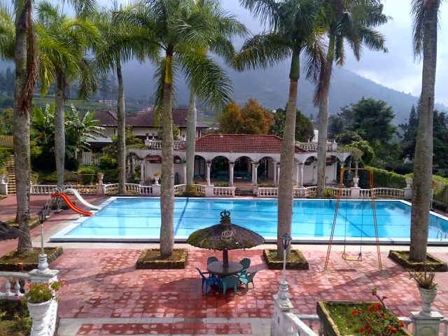 Sewa Villa Coolibah Puncak 8 Kamar Tidur Untuk Rombongan
