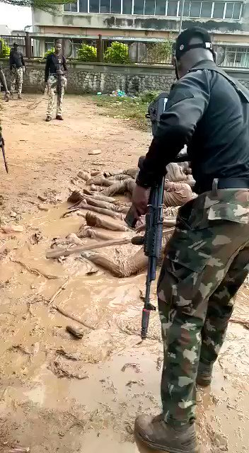Soldiers Force Curfew Violators to Swim In Mud Water In Osun State (Video) #Arewapublisize