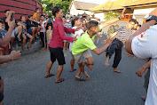 Tradisi Unik Tamblang Waluh di Desa Bungaya