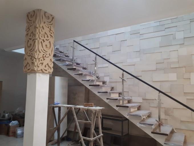 Dekorasi dinding dan pilar