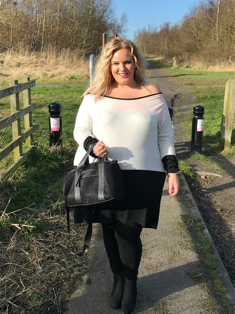 Plus Size Spring Wardrobe Essential colour block jumper from Yours Clothing