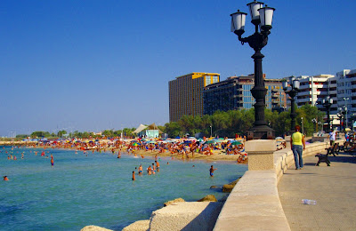 Pane e pomodoro spiaggia Bari La scorribanda legale