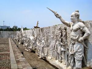 Relief-relief di tembok