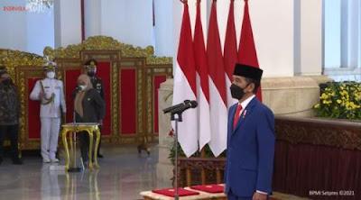 Presiden Jokowi secara resmi melantik Menteri Pendidikan dan Kebudayaan Ristek, Kepala Menteri Penanaman Modal BKPM dan Kepala BRIN DZYboLEWnE Presiden Jokowi resmi melantik Menteri Pendidikan dan Kebudayaan, Ristek, Menteri Penanaman Modal / Kepala BKPM dan Kepala BRIN