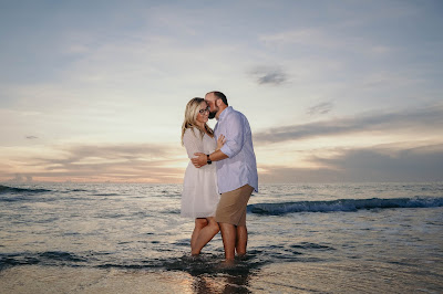 Sunset engagement pictures on Captiva Island