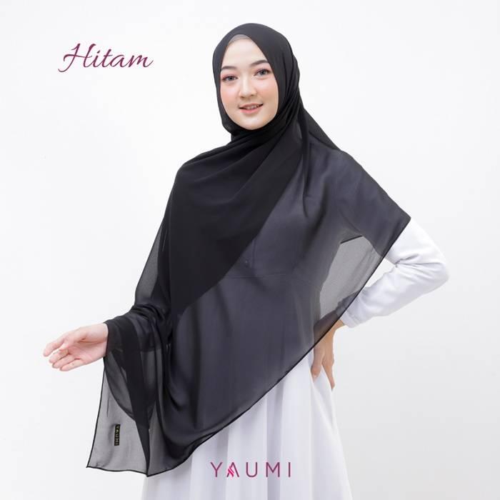 Yaumi Hijab Pashmina Hitam
