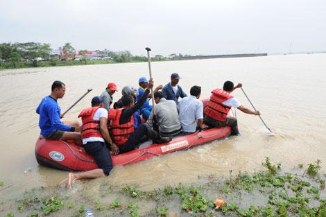 Memperihatinkan, Karawang Dikepung Banjir, 33 Desa dan 15 Kecamatan Terendam