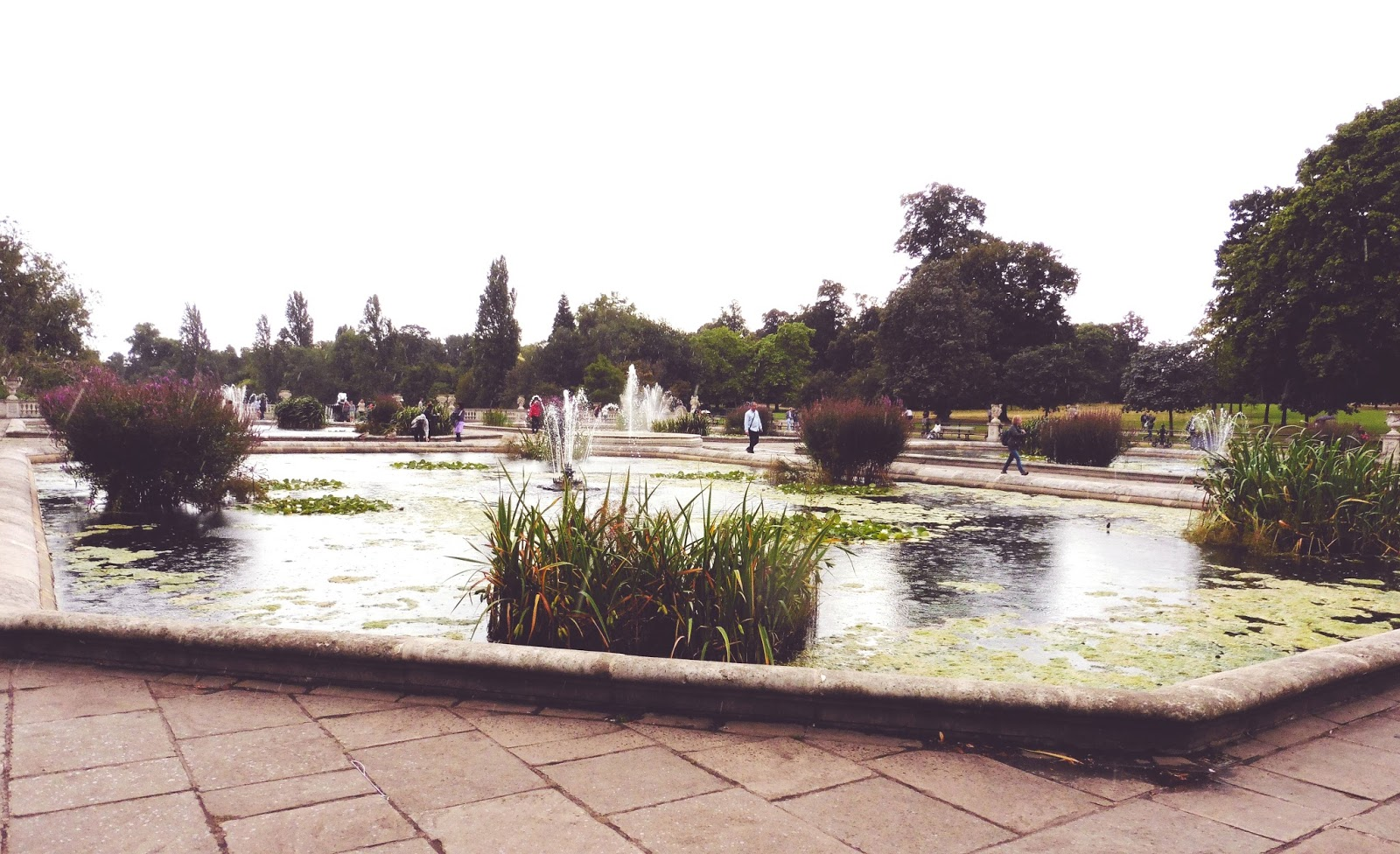 lebellelavie - The Italian Gardens of Hyde Park