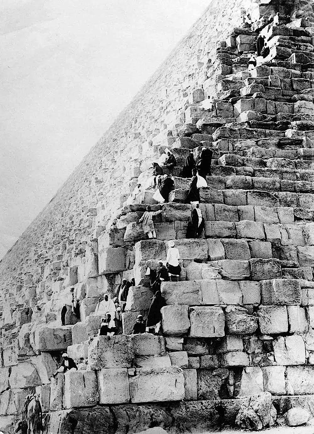 1930 pyramids