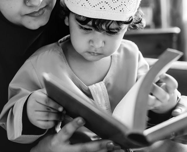 Memberikan teladan mengaji menjadi metode efektif mengajari anak mengaji