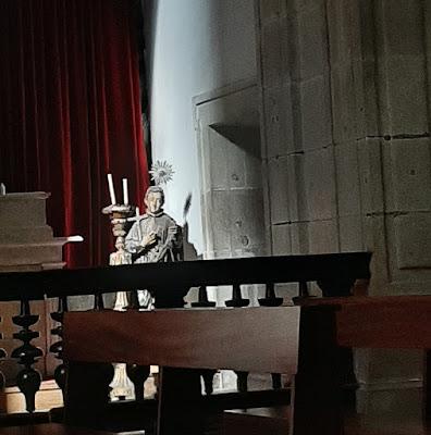 imagem de santo na igreja